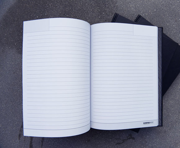Komproment-Notesbog-produktion-Linda-Kongerslev-Grafisk-Design